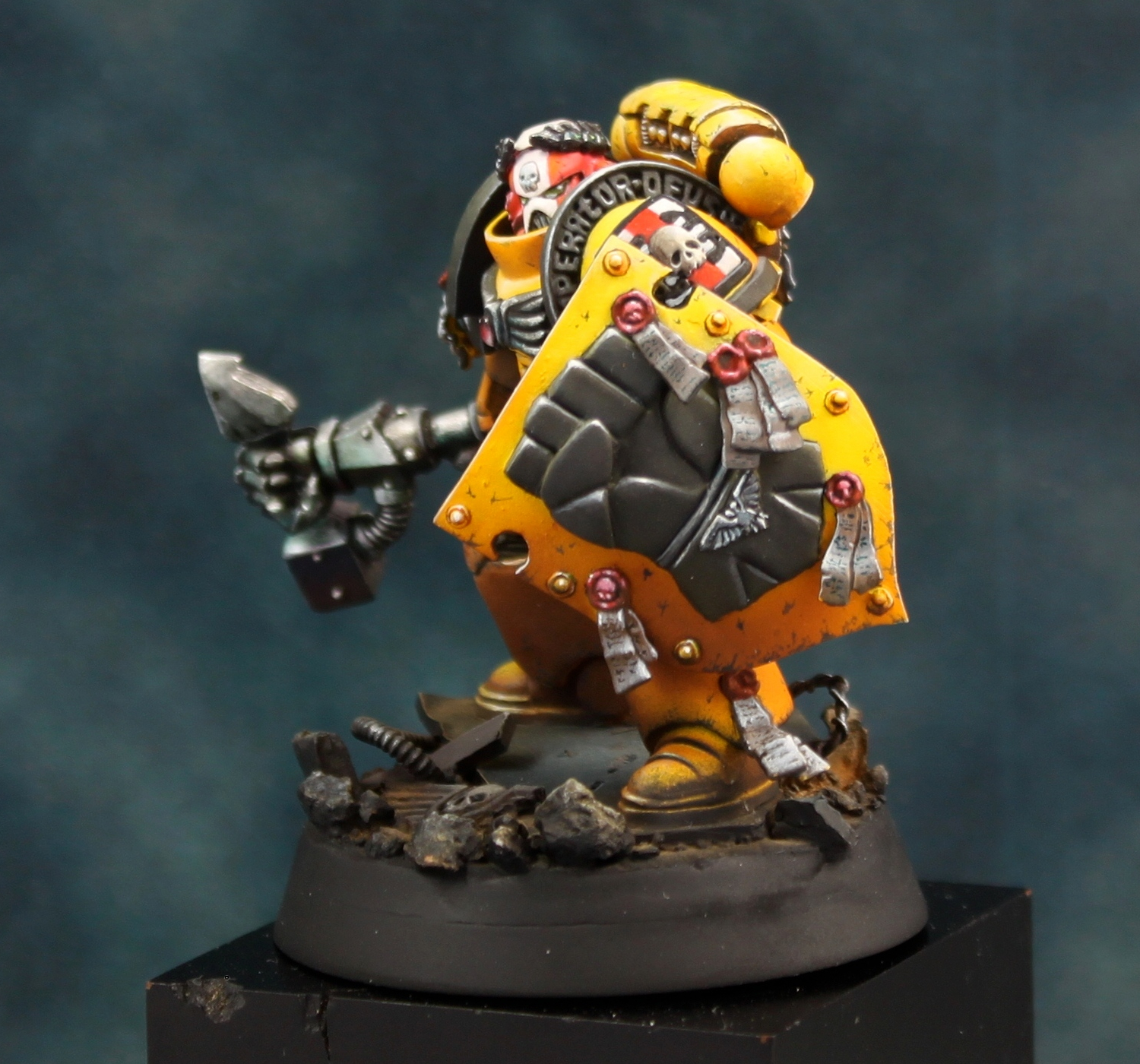 Artscale imperial fist charity auction master of the forge - Imperial fists 40k ...